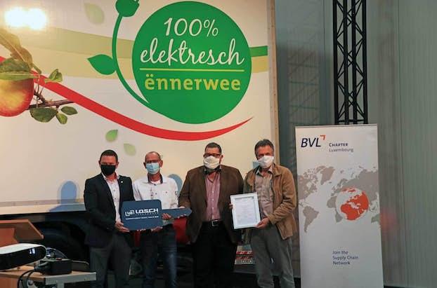 Elektro LKW Präsi 2020 Überreichung alle WEB