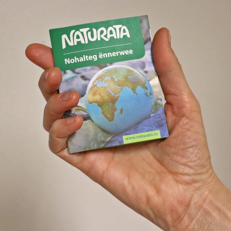 Naturata_Leporello_Hand WEB